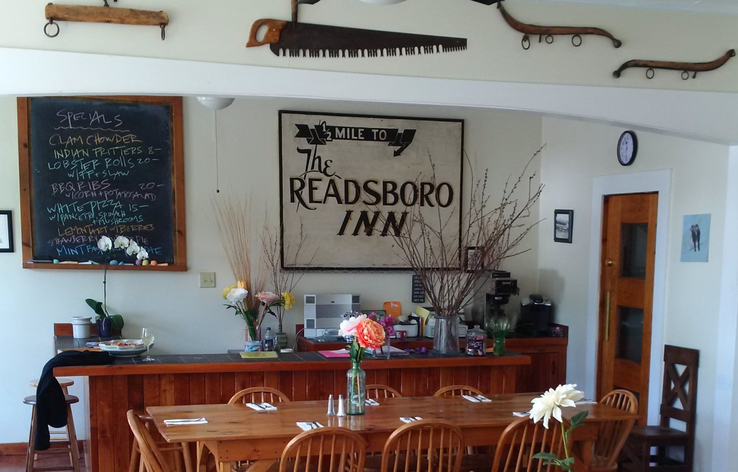 cropped-readsboro-inn.jpg
